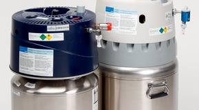 Dewars, vessels for liquid oxygen. Homecare liquid oxygen devices for oxygen therapy. LIBERATOR (left) and HELiOS (right). In Finland named THEROX.